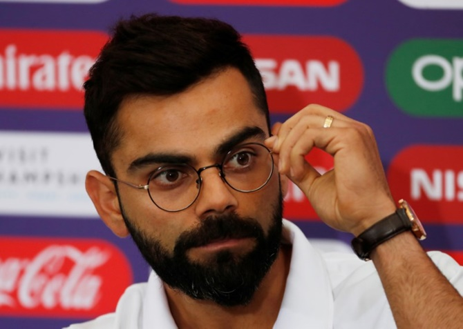 Kohli clarifies about misinterpreted tweet on Dhoni