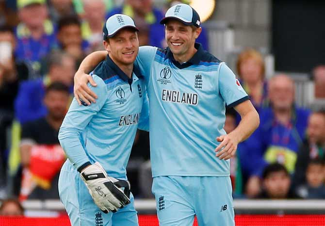 England bowlers happy to slip under the radar