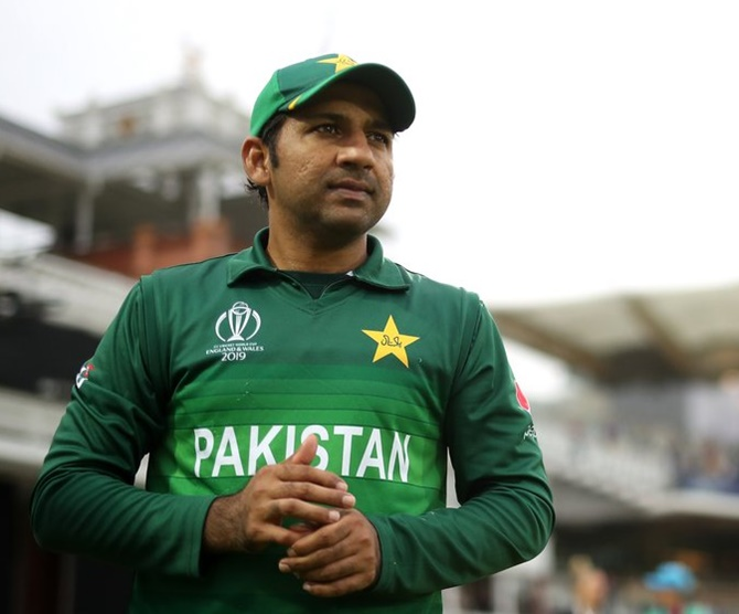 Pakistan sack captain Sarfaraz