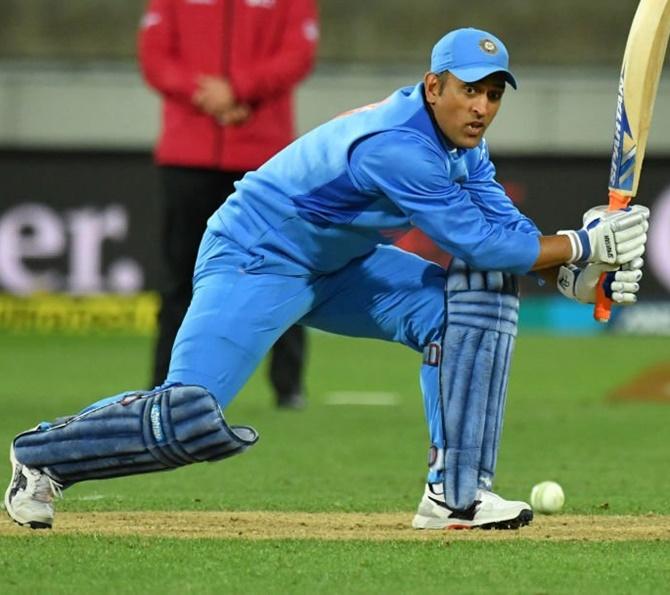 Dhoni's India chances 'very, very bleak': Srikkanth