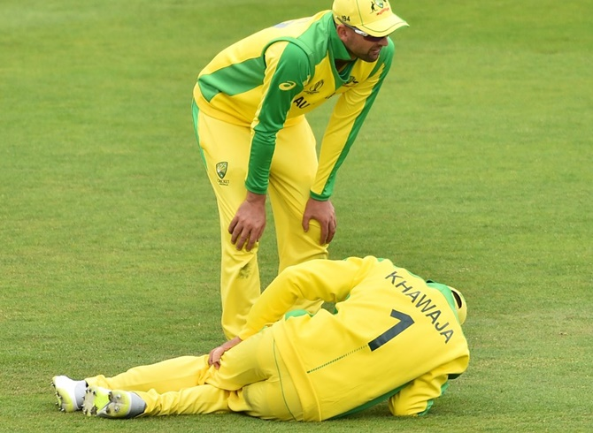 Australia's Khawaja suffers injury scare ahead of WC
