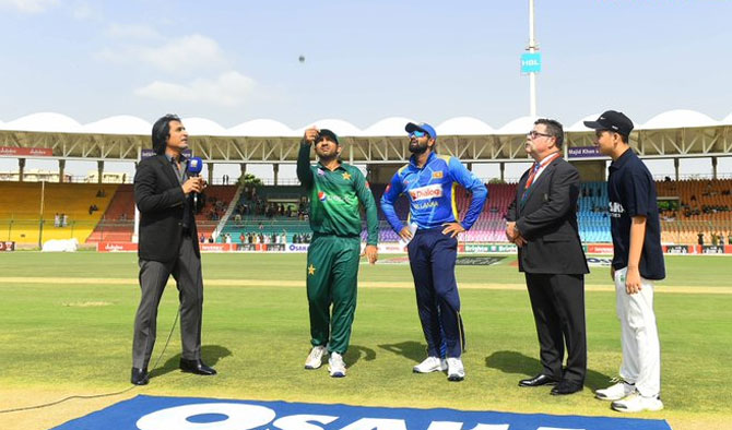 The toss being held for the 2nd ODI between Pakistan and Sri Lanka in Karachi on Monday