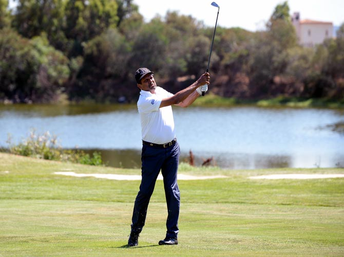 Former cricket captain Kapil wins golf tournament