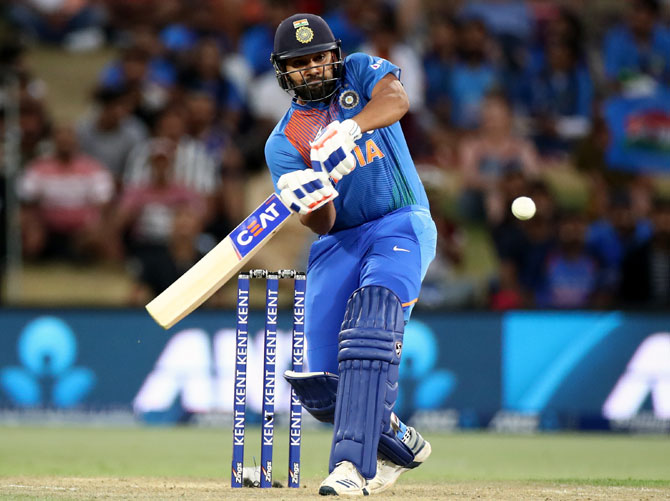 Rohit reminded me of Inzamam, says Yuvraj