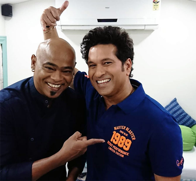 SEE: Kambli's special birthday greeting for Tendulkar