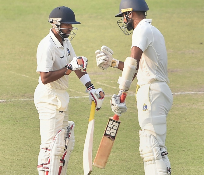 Ranji: Majumdar revives Bengal; Guj restrict Saurashtra
