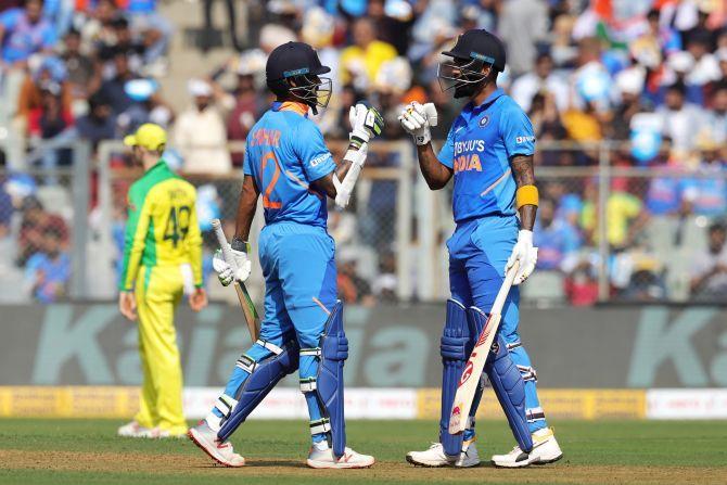 Shikhar Dhanwan and K L Rahul put on a 121-run stand