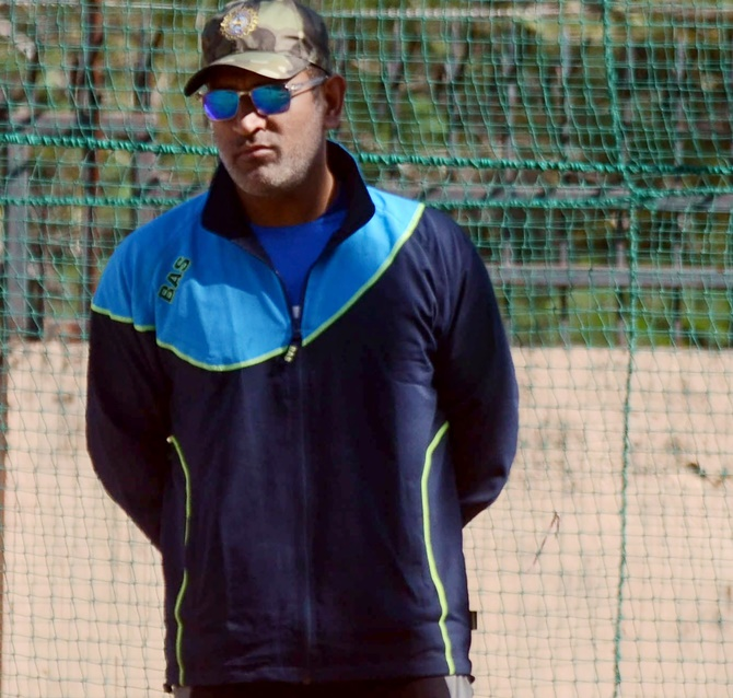 Ganguly refuses to comment on Dhoni's omission