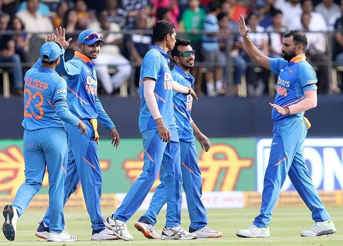 Mohammed Shami rattled the Australian innings in the death, taking three wickets and finishing with figures of 4-63