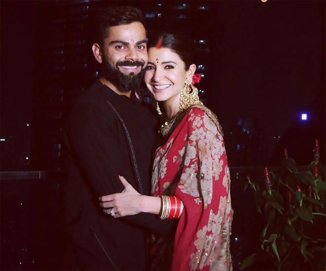 Anushka-Virat give us couple goals in romantic ad