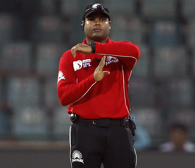Umpire Menon pulls out of IPL; Reiffel's exit stalled