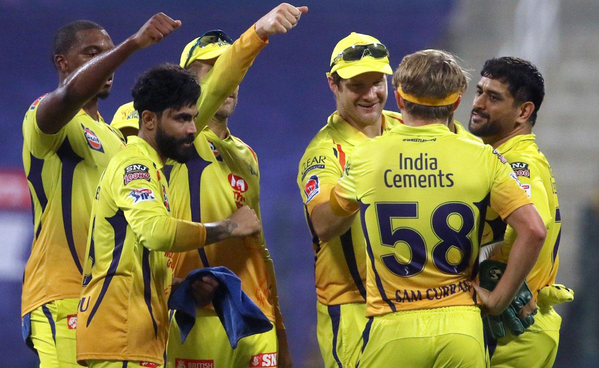 IPL PIX: Rayudu, du Plessis take CSK past Mumbai Indians - Rediff Cricket
