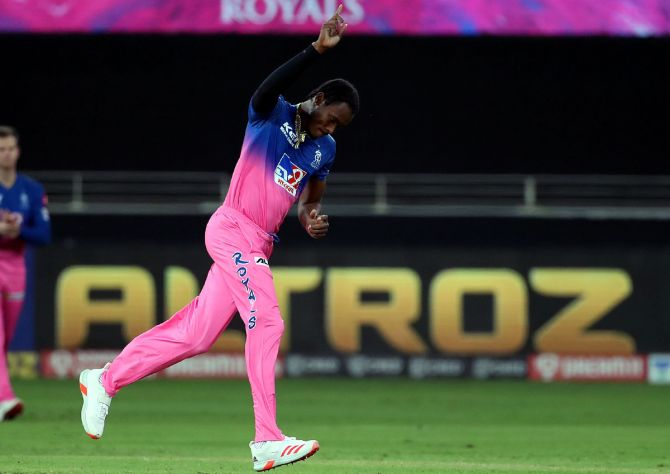 Jofra Archer celebrates the wicket of KKR captain Dinesh Karthik
