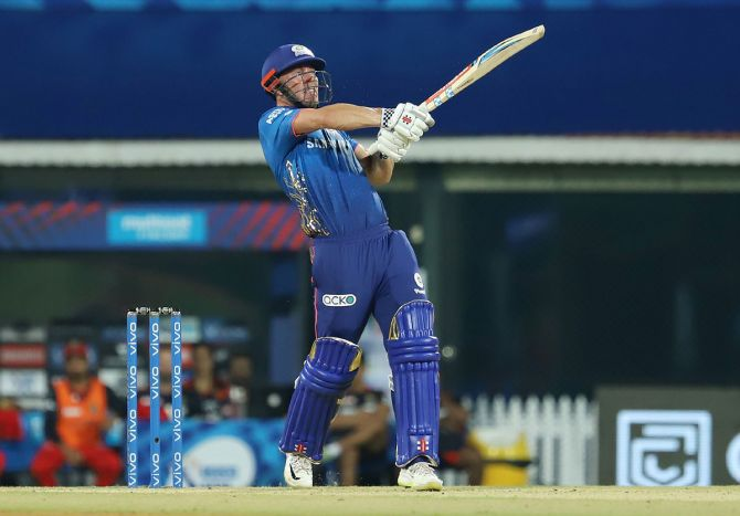 Opener Chris Lynn scored 49 off 35 balls to put Mumbai Indians on course for a big total