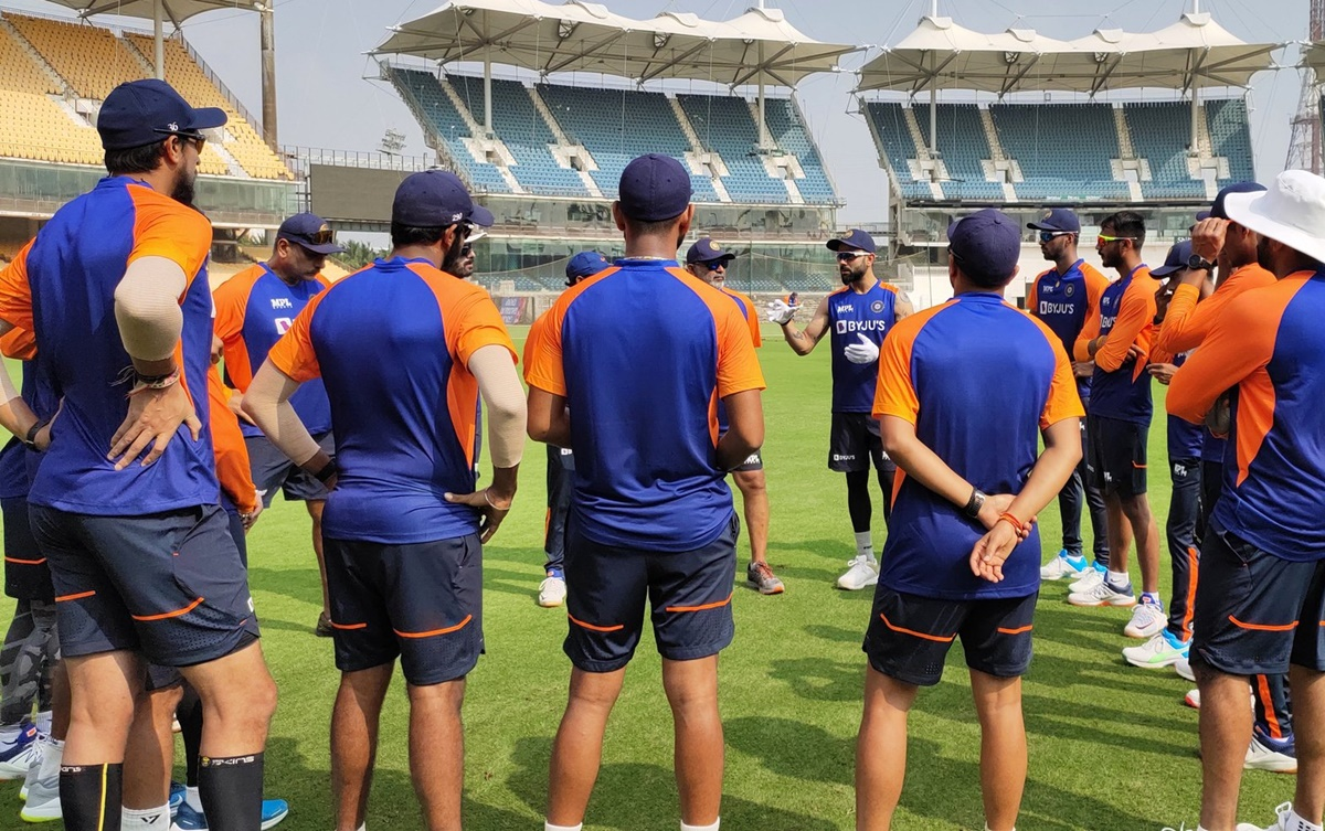 India look to dominate England after success in Aus