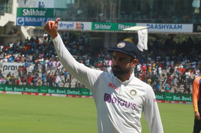 India's captain Virat Kohli acknowledges the applause from the crowd after victory over England on Tuesday, Day 4 of the second Test