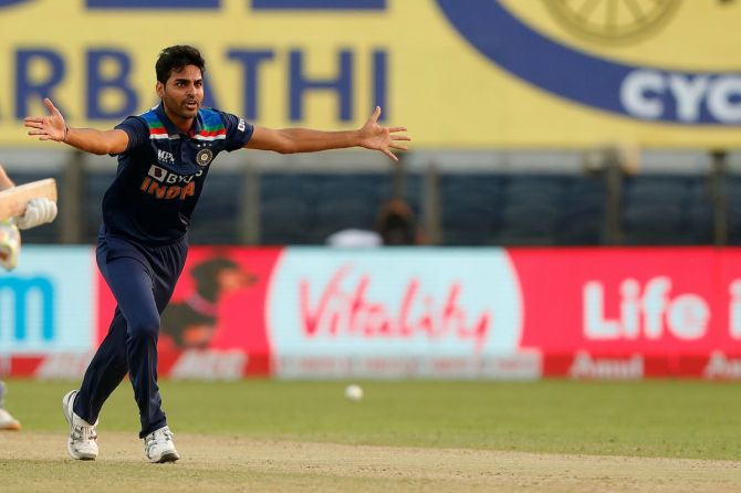 Bhuvneshwar Kumar successfully appeals for leg before wicket against Jonny Bairstow