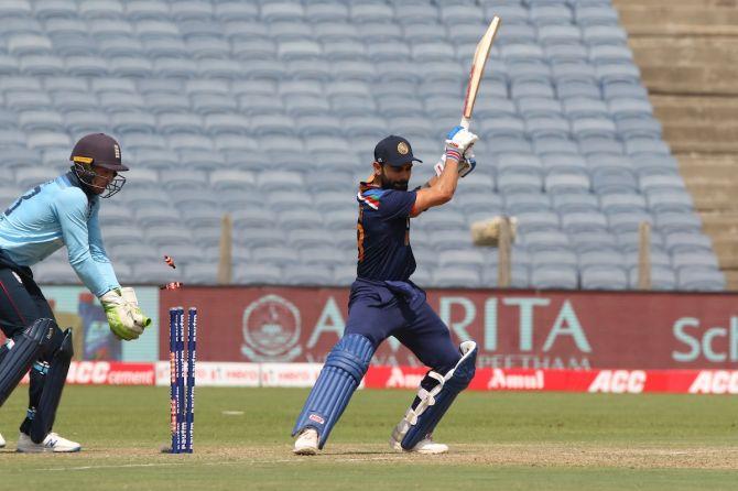 Virat Kohli is bowled by Moeen Ali