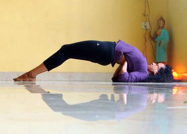 yoga poses to tone your hips and thighs  rediff getahead