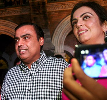 RIL Chairman Mukesh Ambani with wife Nita Ambani