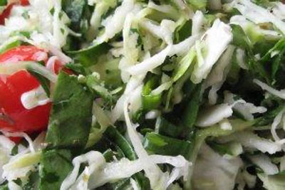 Cabbage and spinach salad