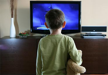 11 health hazards of watching TV