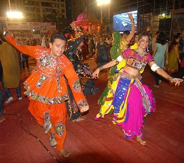 It isn't unusual for love to blossom during Navratri