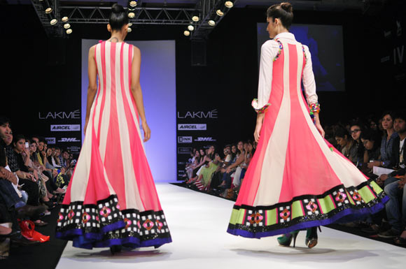 PIX: Kathputli Kathak and a riot of colours at LFW