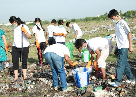 EFI team at a cleaning programme