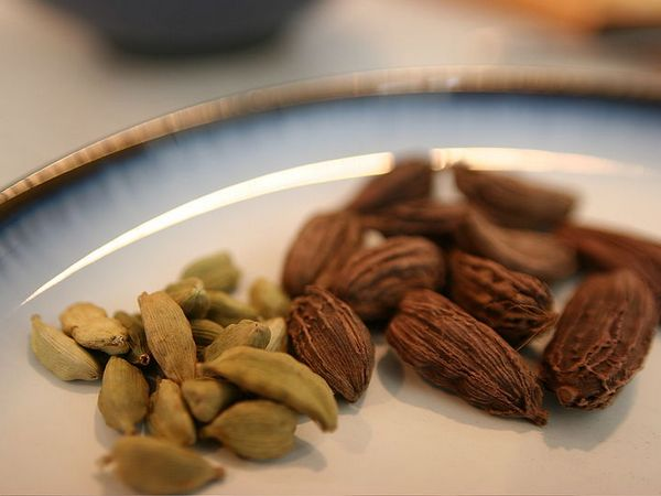 Cardamom acts as an excellent detoxification agent