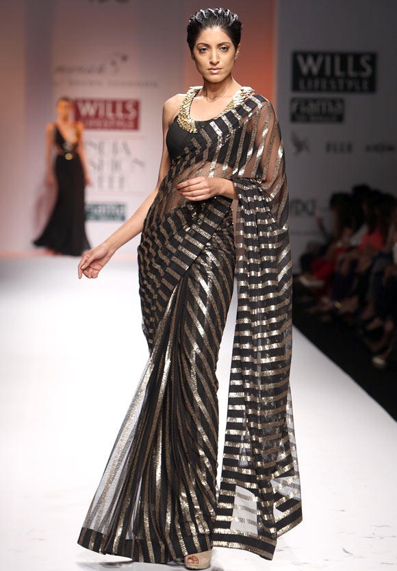 Jesse Randhawa sizzles in a Reynu Tandon creation.