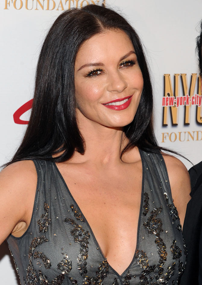 atherine Zeta-Jones attends the 2013 NYC Dance Alliance Foundation Gala at the NYU Skirball Center on September 29, 2013 in New York City.