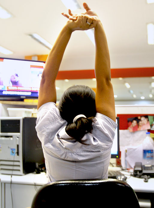 7 simple exercises you can do at your desk