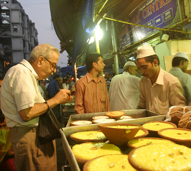 The best place to break your Ramzan fast in Mumbai is Mohammed Ali Road.