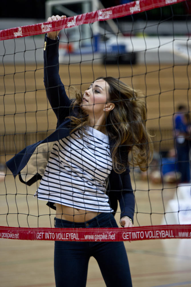 Kate plays volleyball at a SportsAid athlete workshop in London's Olympic Park.