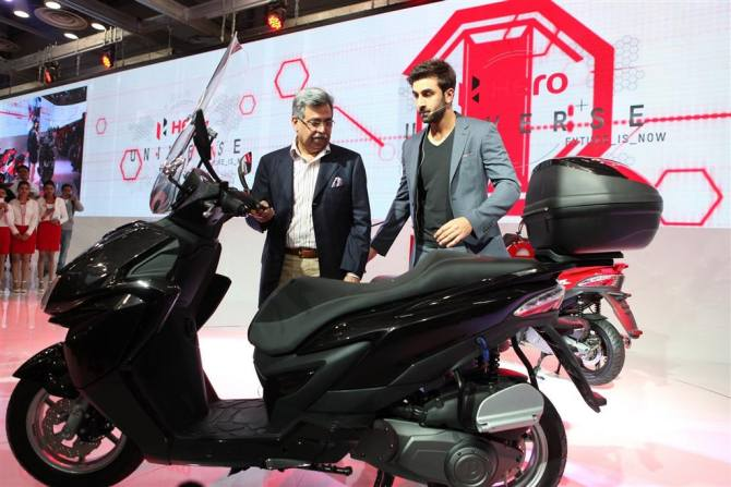 Hero's 150cc scooter Zir was showcased at Auto Expo 2014