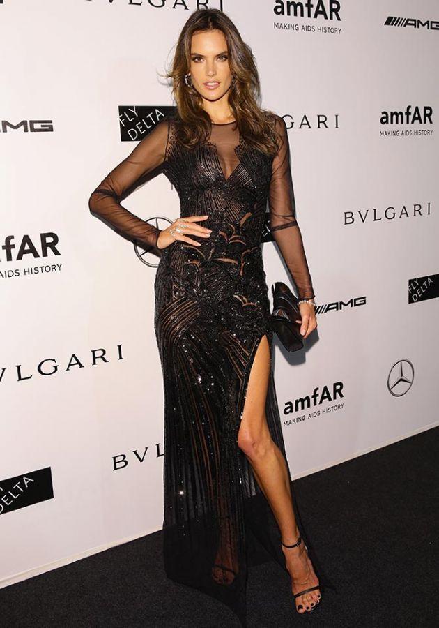 Bar Refaeli Strapless Dress - Bar Refaeli Looks - StyleBistro