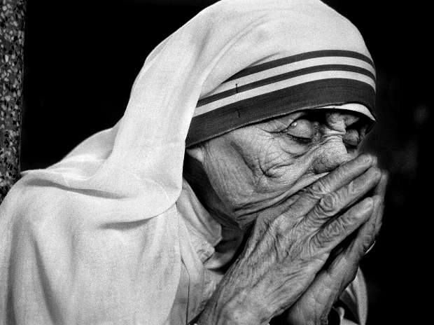 Mother Teresa in prayer, 1995.