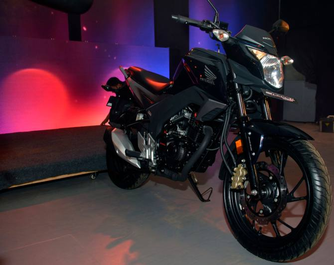 Honda CB Hornet 160R is yours for Rs 80k