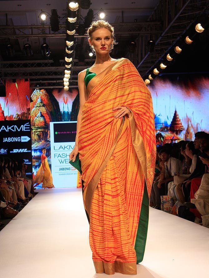 Beauty Galore HD : Manjusha Hottest Tv Anchor Of Indian