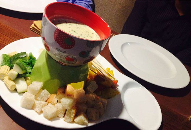 Cheese Fondue, Riso