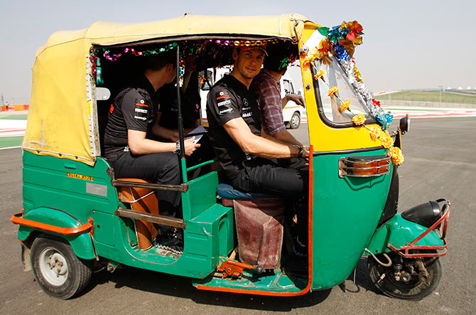 5 reasons to love your auto rickshaw rides in delhi get ahead. Black Bedroom Furniture Sets. Home Design Ideas