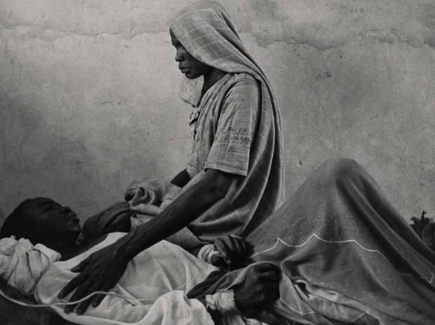 James Nachtwey's photograph from Sudan, 2004 (© James Nachtwey, Courtesy MAP / Tasveer)