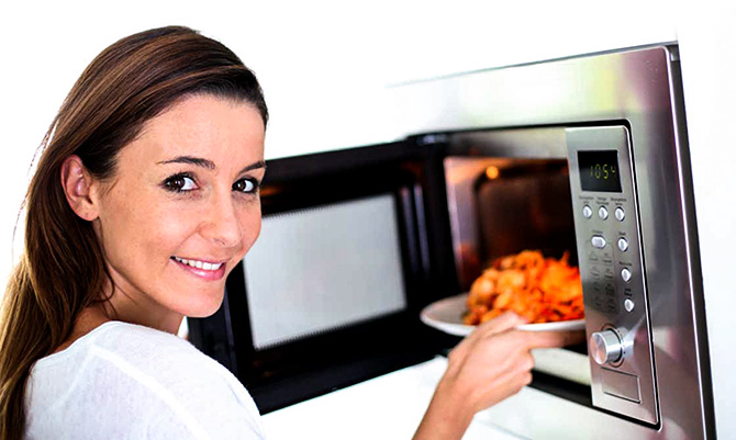 Why heating food in microwave is bad for health