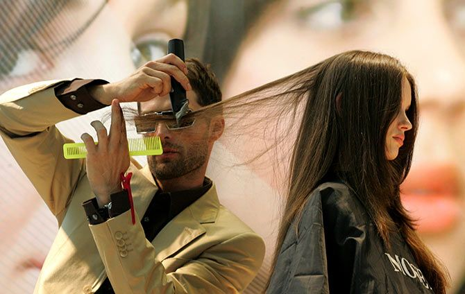 How to keep your hair healthy in the monsoon