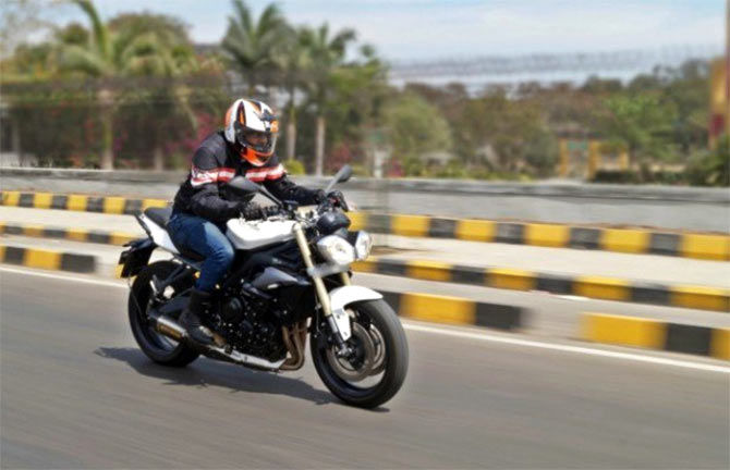 Bike Review: Triumph Street Triple 675