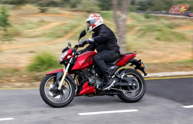 TVS Apache RTR 200 4V: First Ride Impression