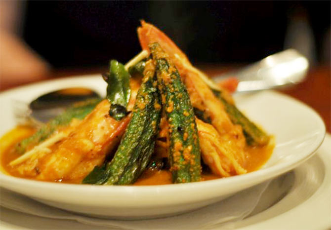 Recipe: How to make Prawn Okra Curry