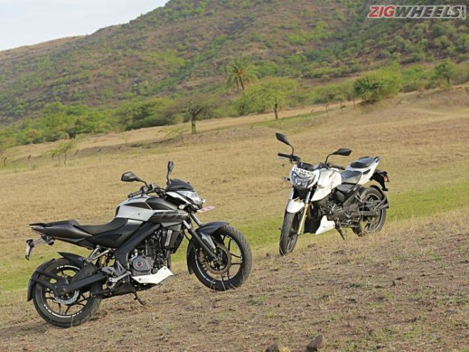 Pulsar Ns 200 Vs Apache Rtr 200 And The Winner Is Rediff Com