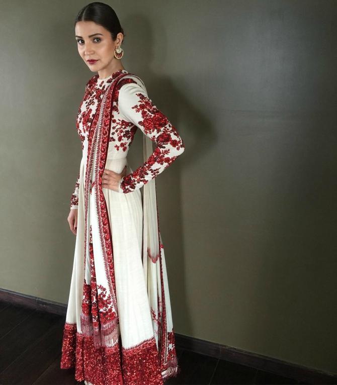 Who Dresses Bride Anushka Sharma The Best Rediff Com